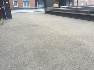 lquidrubber-verwerker-voor-flexibele-coatings-voor-parkeer-en-wandel-dekken